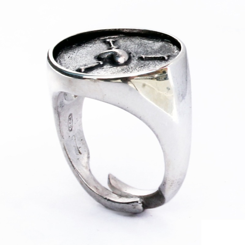 to-attract-the-goodwill-of-others-chevalier-ring